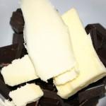 Casser le chocolat en morceau et laisser fondre avec le beurre...